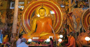 Sri Lanka Colombo Gangaramaya temple statue of buddha