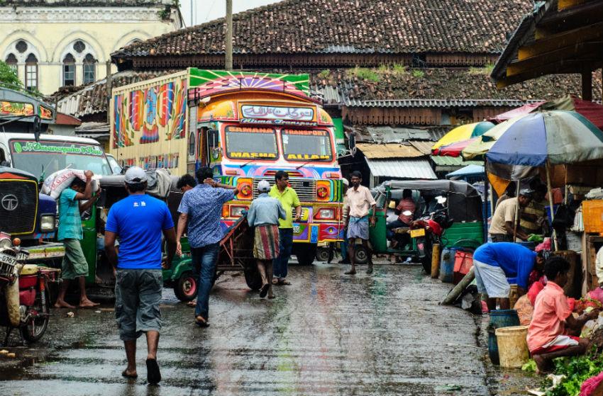 Ri lanka na dlanu kolombo pettah for Pettah market colombo