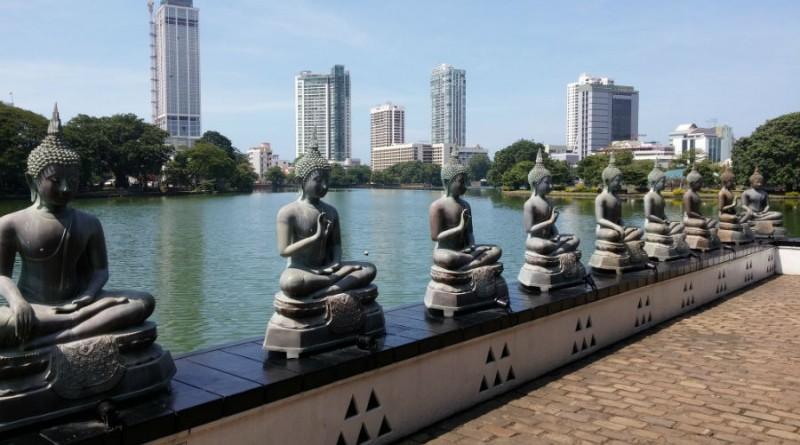 Sri Lanka Colombo Sema Malaka temple buddhas