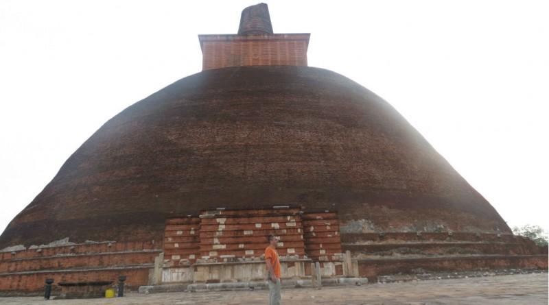 Sri Lanka Anuradhapura Jethawanaramaya stupa dagoba