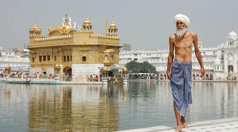 India Amritsar Golden temple Sikh pilgrim
