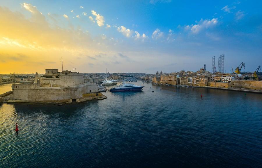 Luka u Valeti - Izlazak sunca