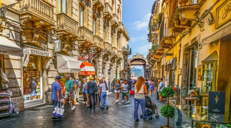 Italy Sicily Taormina shopping