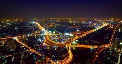 Tahailand Bangkok city night traffic