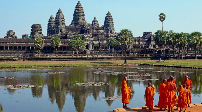 Cambodia buddhist monks in front of the angkor wat