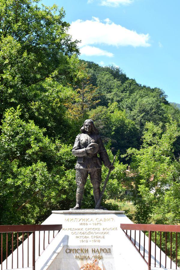 Milunka Savić spomenik